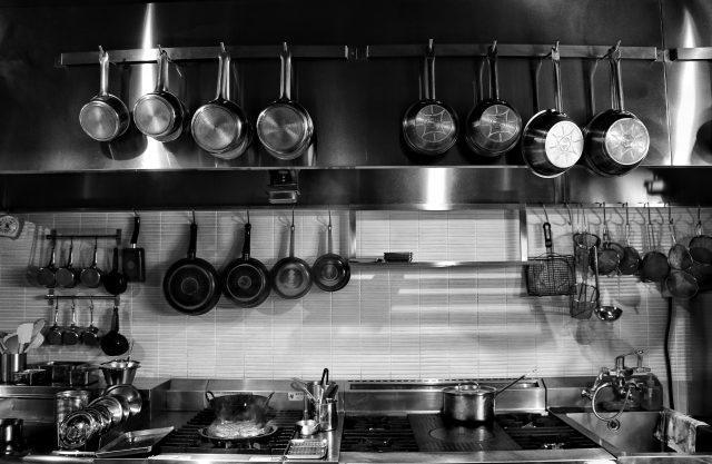 厨房内・調理場のシンクの数やレイアウトには決まりってあるの??(飲食店営業許可の決まり)